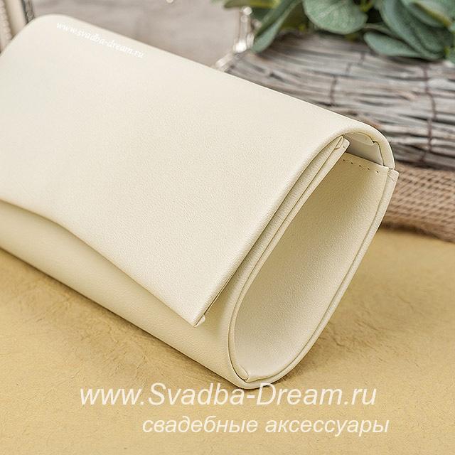 2da889209fd1 Свадебный клатч цвета топленого молока